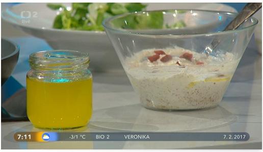 Přepuštěné máslo a tvaroh se lněným olejem a semínkem - Dobré ráno 7.2.2017