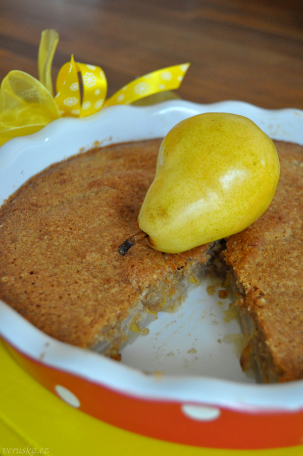 Pohankovo-mandlový hruškový koláč