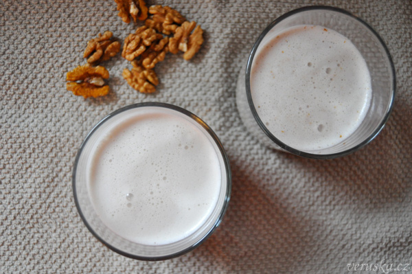 Ořechové mléko