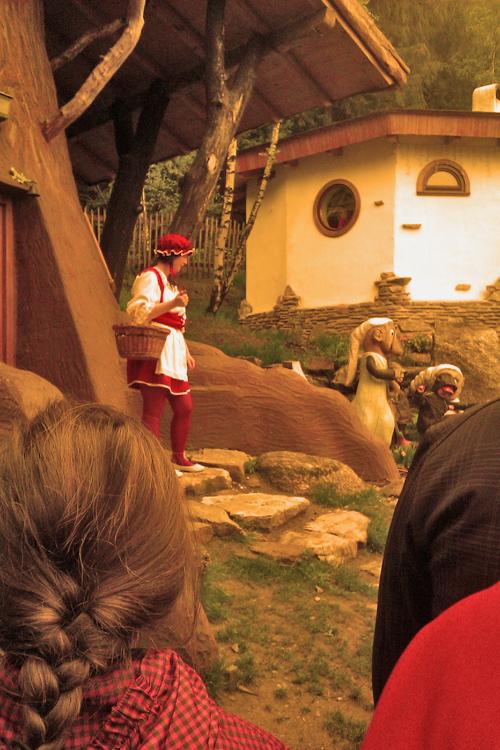 Pohádková vesnička - chaloupka z mechu a kapradí - Karkulka