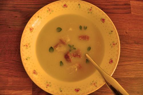 Celerová polévka - neděle