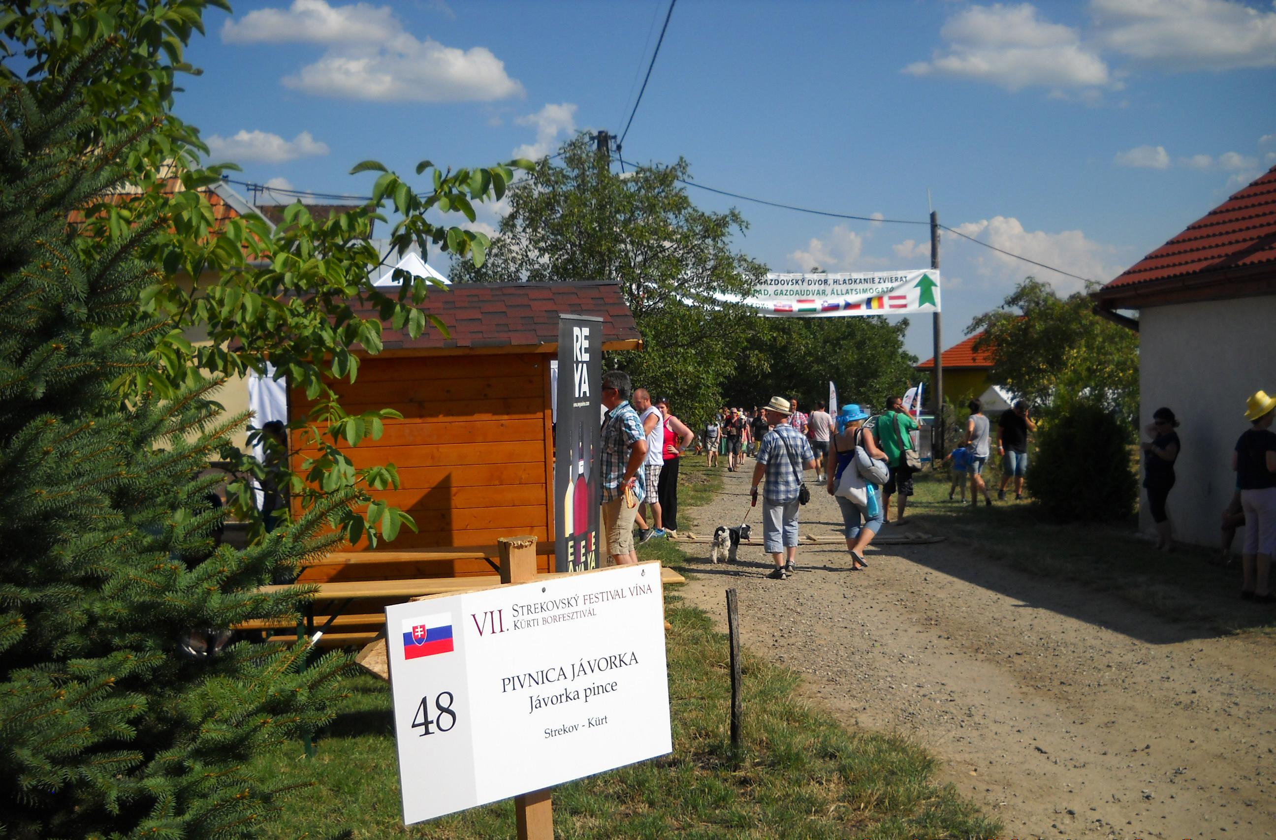 Strekovský festival vína - stánky